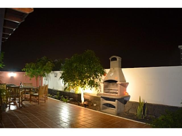 barbecue area - Villa Ahlmatel, Playa Blanca, Lanzarote
